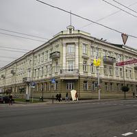Здание коммерческого банка