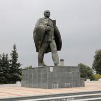 Памятник Ленина на центральной площади города