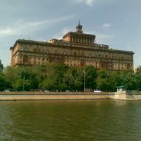 11-этажный жилой дом на Космодамианской набережной