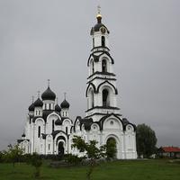Колокольня и Свято-Федоровский собор