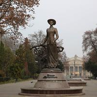 Памятник Крушельницкой