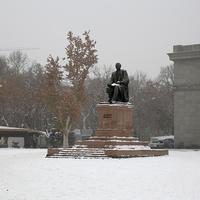 Памятник Ованесу Туманян