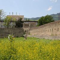 Стены замка Ираклия II
