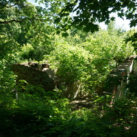 Остатки постройки пионерского лагеря