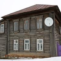 Ветхий городской дом