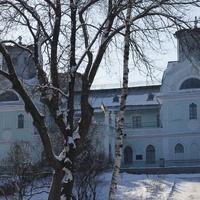 Главное здание дворца