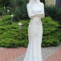 Скульптура на Лермонтовском бульваре.