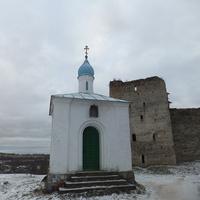 Башня Изборска - Талавская  и часовенка