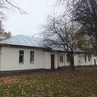 Здание в поселке