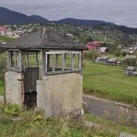 Старая охранная будка
