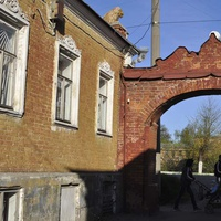 Арка во дворе дома в Советске