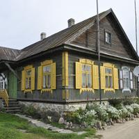 Дом на окраине города