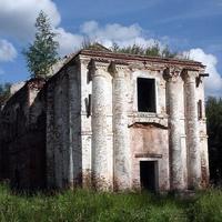 Старый, разрушенный собор