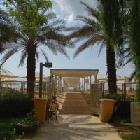 Выход из отеля на Мертвое море