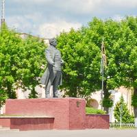 г. Кировск. Памятник С. М. Кирову