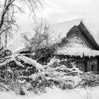 Заброшенный дом в деревне Лашино Куменского района Кировской области