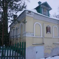 Территория Савинской церкви.Отдельно стоящее здание...