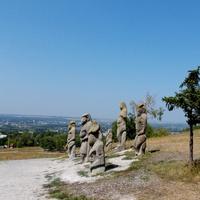 Каменные скульптуры