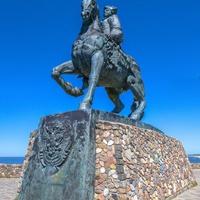 Памятник императре Елизавете Петровне