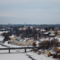 Торжок со смотровой площадки надвратной церкви  Борисоглебского мужского монастыря