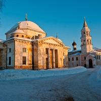 На территории Борисоглебского мужскоого монастыря