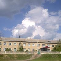 Новоукраинская средняя школа.