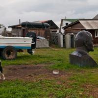 Двор в деревне Большое Голоустное