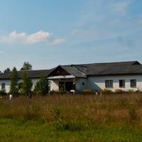 Бывшая школа в деревне Ручки