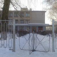 Центральный вход, школа