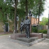 Памятник отцу и сыну Гумилёвым и Анне Ахматовой