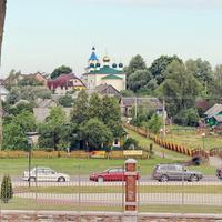 Вид на Троицкую церковь