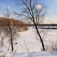 Осторов Шлюзы. Переправа через замерзшую реку.