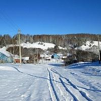 Центральная улица деревни
