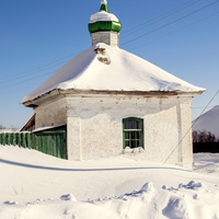 Угловая башня у ограды Преображенской церкви села Зашижемье Советского района Кировской области