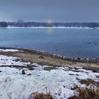 Естественный берег Москвы-реки недалеко от Коломенского