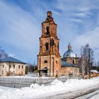 Ансамбль Троицкой церкви в с. Лопьял Уржумского района Кировской области