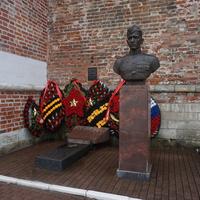 Бюст Героя Егорова.