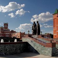 Памятник Петру и Февронье