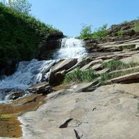 Водопад у Комиссаровской плотины.