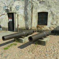 Выборг. Замок, старинные пушки
