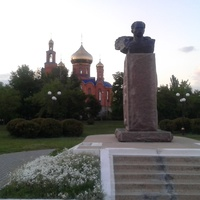 Пам'ятник Шевченку Т.Г. у місті Покров.