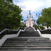 Успенский собор на Комсомольской площади
