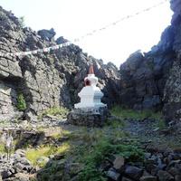 Малая ступа пробуждения в буддийском монастыре