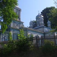 Дерев'яна церква Різдва Пресвятої Богородиці,споруджена в середині ХІХ століття.
