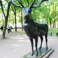 """Скульптура """"Олень"""" в парке """"Блонье""""."""