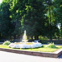 В Лопатинском саду.