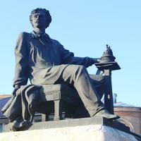 Памятник скульптору Михаилу Микешину.