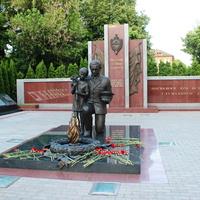 Памятник погибшим полицейским.