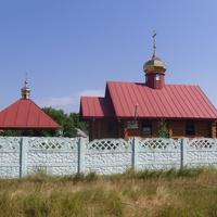 Нова дерев'яна Свято-Троїцька церква.