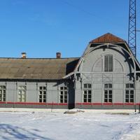 Перекрашенный вокзал станции Кушва